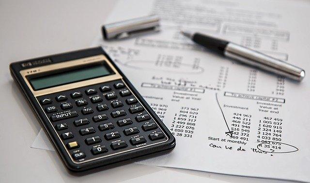 kalkulačka a počítání peněz