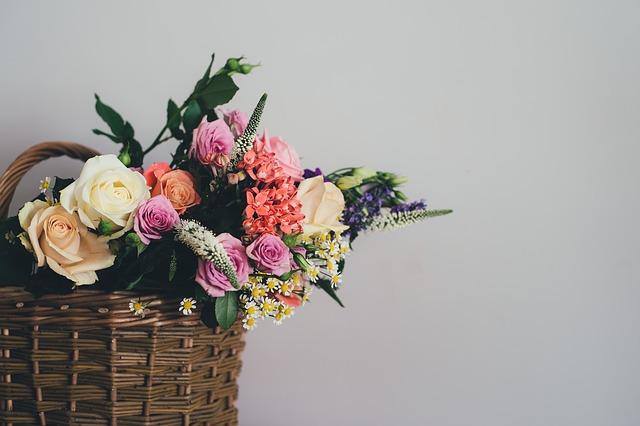 květiny v košíku.jpg