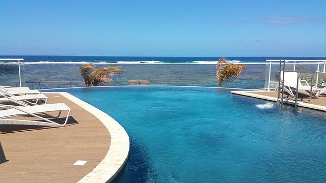 bazén u moře