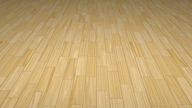 podlaha ze světlých palubek.jpg