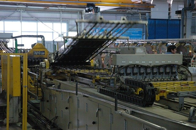 stroje v průmyslu
