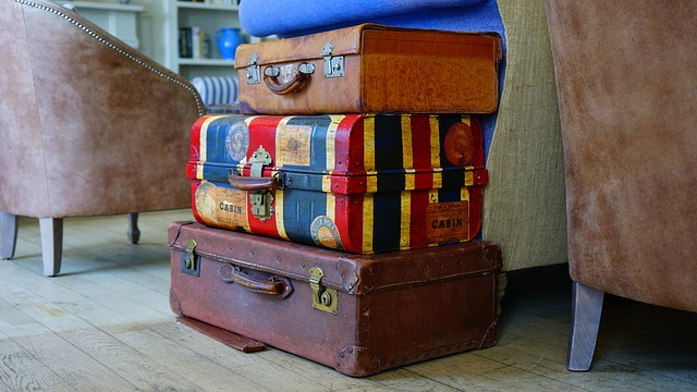 kufry na sobě